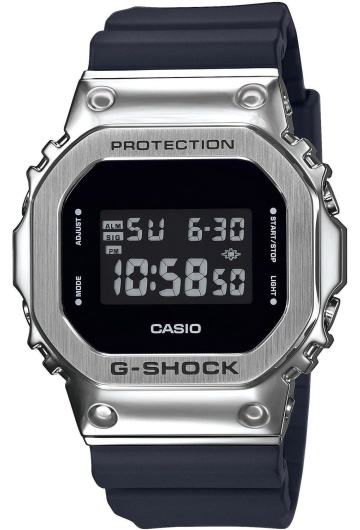 Casio GM-5600-1E
